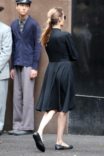 Angelina Jolie gittikçe eriyor! galerisi resim 1