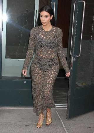 Kim Kardashian iç çamaşırı alay konusu oldu galerisi resim 1