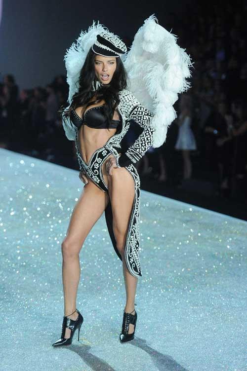 Victoria's Secret mankenleri büyüledi galerisi resim 1