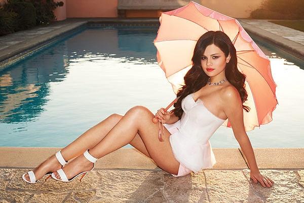 Selena Gomezin de çıplak fotoğrafları sızdı galerisi resim 1