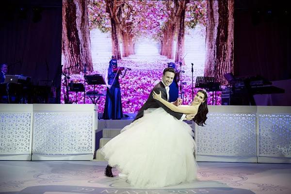 Rüya gibi bir düğünle evlendiler galerisi resim 1