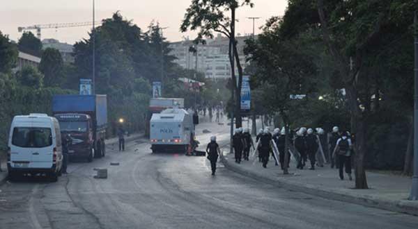 Gezi Parkına polis müdahalesi galerisi resim 1