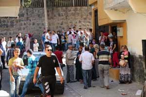 Suriyeliler düğün bastı: 8 yaralı