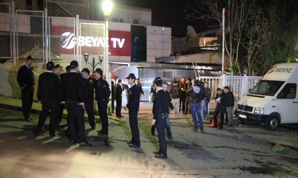 Galatasaray taraftarı Beyaz Tvyi bastı