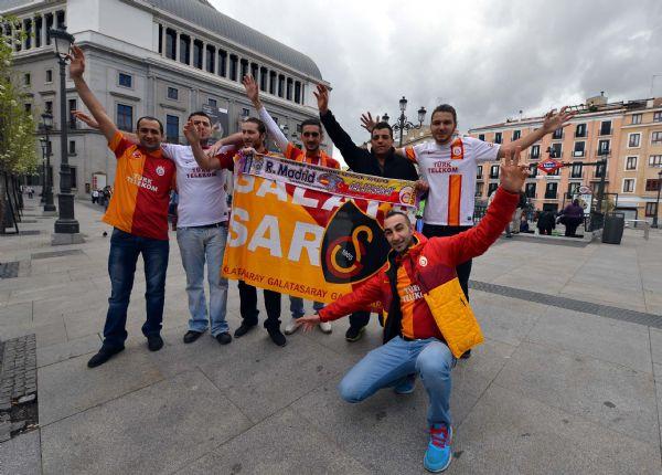 Madridte Cimbom halayı!