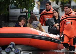 Arjantinde sel: 35 ölü