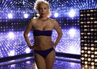 Semiha Yankı 55 yaşında bikini giydi