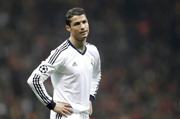 Ronaldo bu pankartla şaşkına döndü!