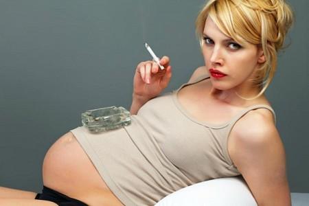 Hamilelikte sigara içmenin tehlikeleri!