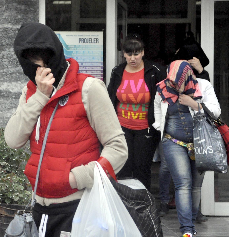 5 kadın sınır dışı edildi!
