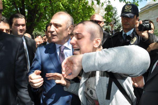 Erdoğan Bayraktar, Gırgırın kapağında