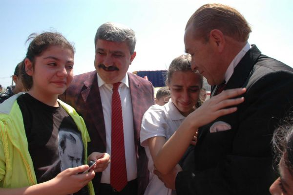 Okulumuza Atatürk gelmiş