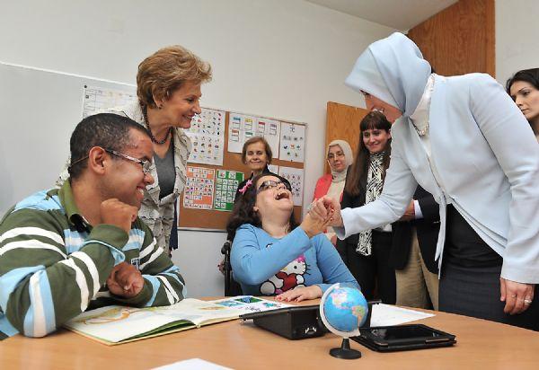 First Lady engelliler merkezinde
