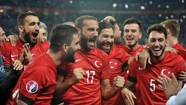 Şok kampanya!..Türkiyeyi EURO 2016ya almayın!