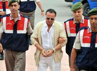 Valentino Celal çok sayıda tarihi eserle yakalandı