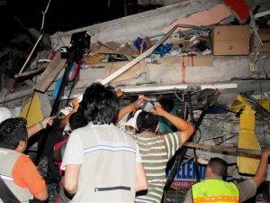 7.8lik deprem 40 saniye sürdü