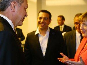 Merkelden Erdoğana parlamento uyarısı