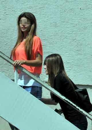 Liseli kızların hırsızlık kavgası