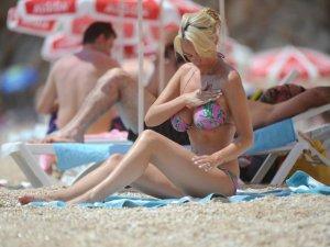 Ünlü model sevgilisi ile Antalyada