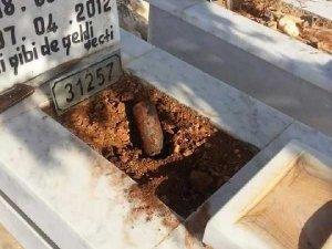 Çocuk mezarında tuzaklı bomba