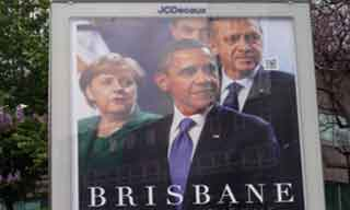 Sarkozyi afişten sildiler!