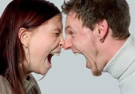 Bağırarak konuşmak hasta ediyor
