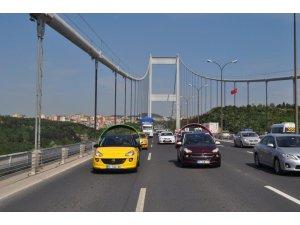 Opel ADAM İstanbul caddelerinde