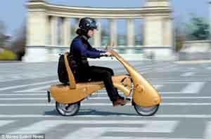 Çanta gibi katlanan motosiklet!
