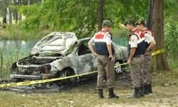 Yanan otomobilde ceset bulundu