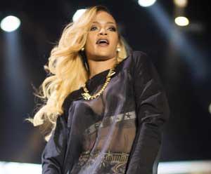 İstanbuldan Rihanna geçti