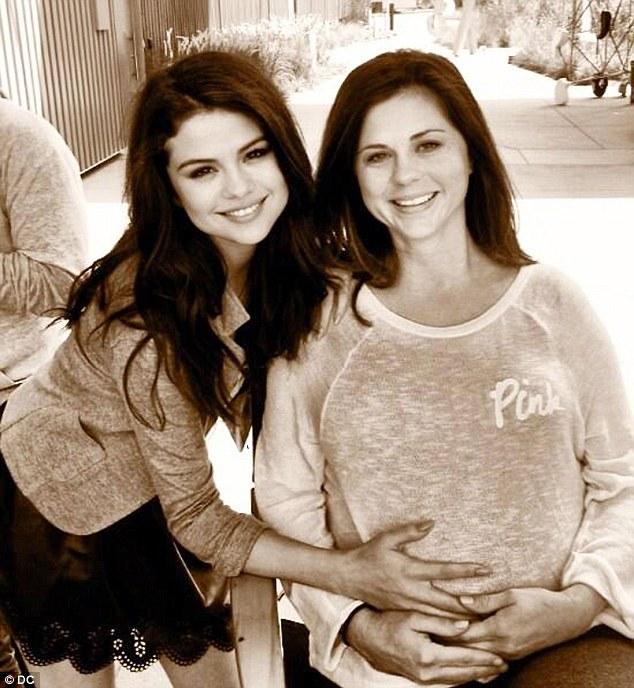 Selena Gomeze kardeş geldi