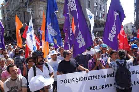 2 bin kişinin önü polis tarafından kesildi