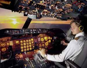 Başbakana küfreden pilot işinden oldu