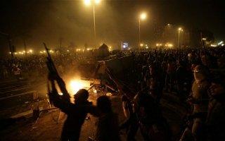 Mısırda kanlı gece: 72 ölü binden fazla yaralı