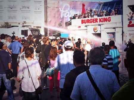 Polis Taksim'de müdahaleye başladı!