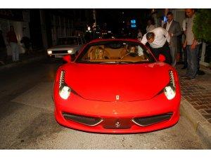 Ferrarisi var kullanmayı bilmiyor