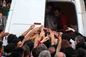 Taksimde kumanya izdihamı